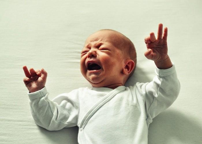 अलग-अलग तरीके से रोते हैं बच्चे, रोने के तरीके से जानें कारण