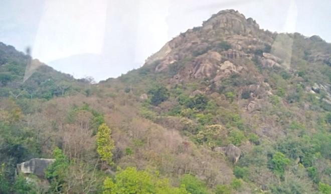 झारखंड की यह अनोखी पहाड़ी बताती है कि महिला के गर्भ में लड़का है या लड़की